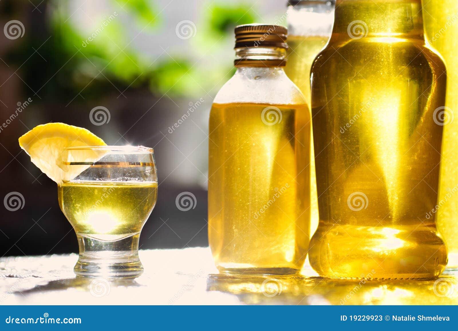 Как сделать лимонный алкогольный