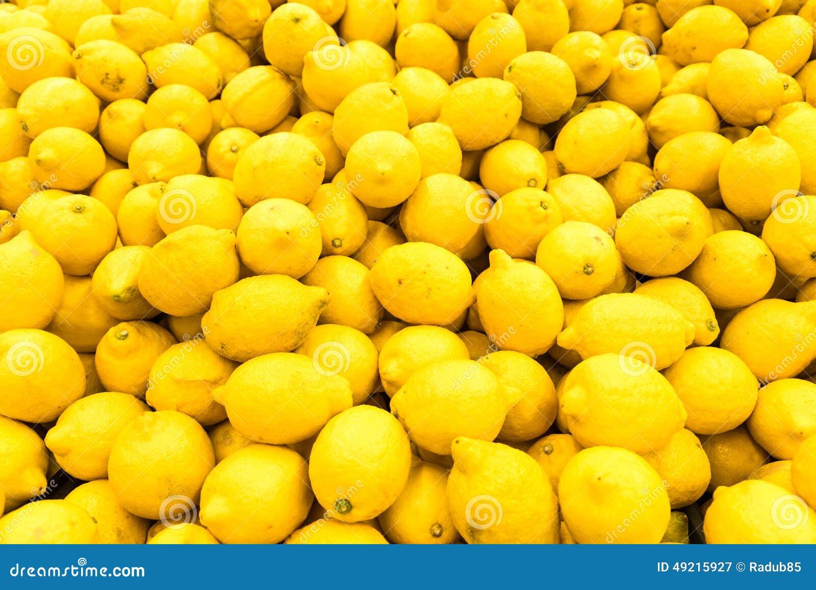 Lemon Pile In Fruit Market Stock Photo - Image: 49215927
