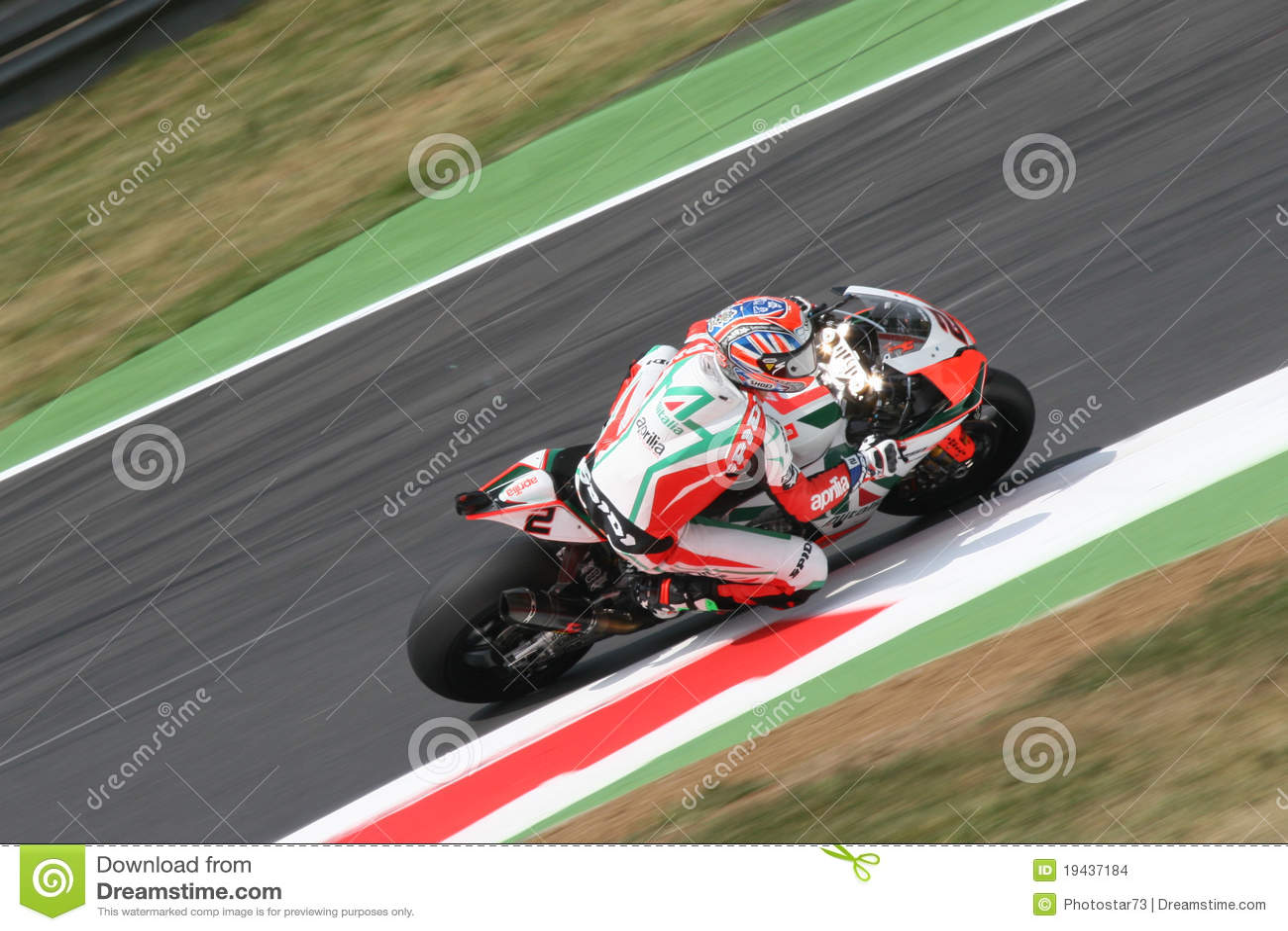Leon camier superbike