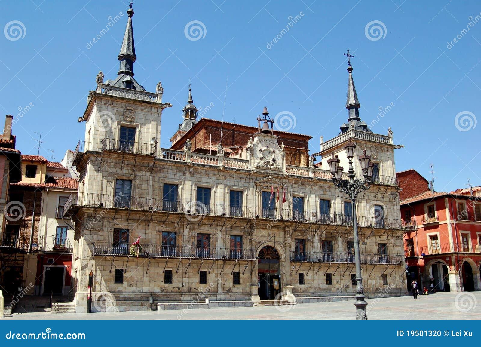 Leon, Spain: City Hall In Plaza Mayor Editorial Image - Image: 19501320