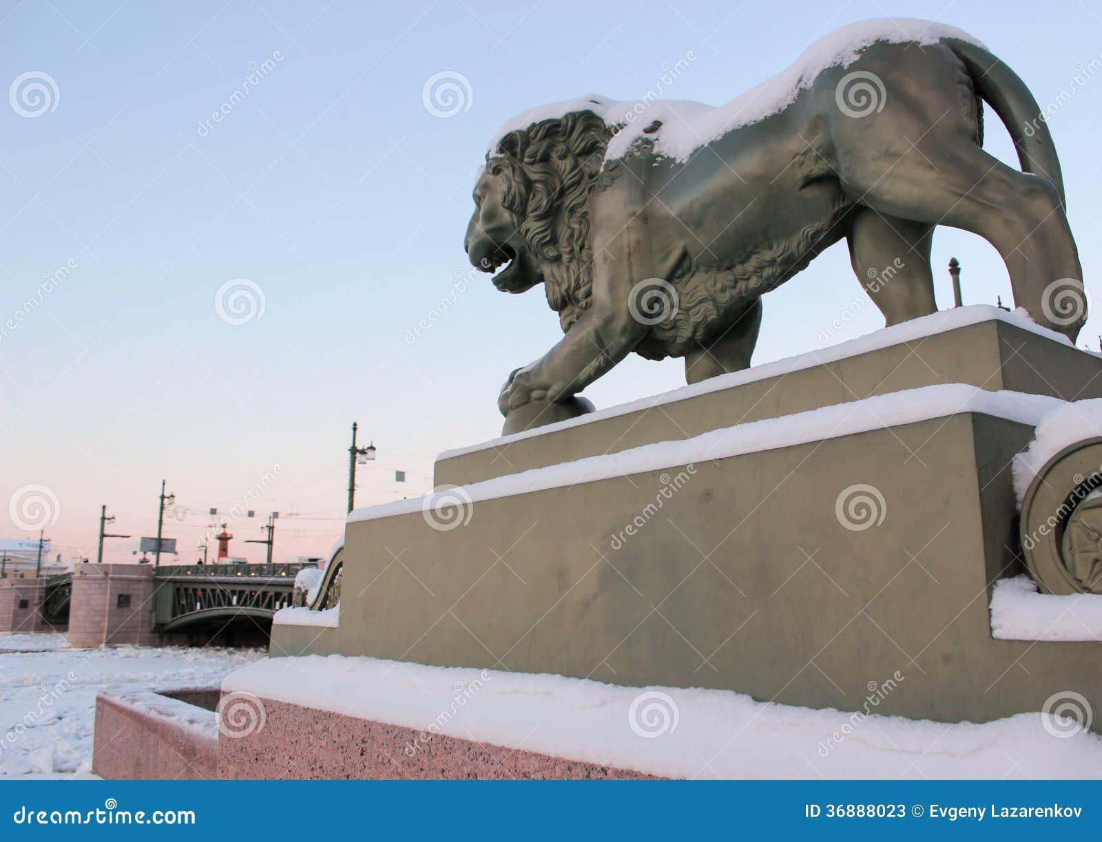 Download Leone Del Ministero Della Marina In Saint_petersburg Immagine Stock - Immagine di d0, tramonto: 36888023