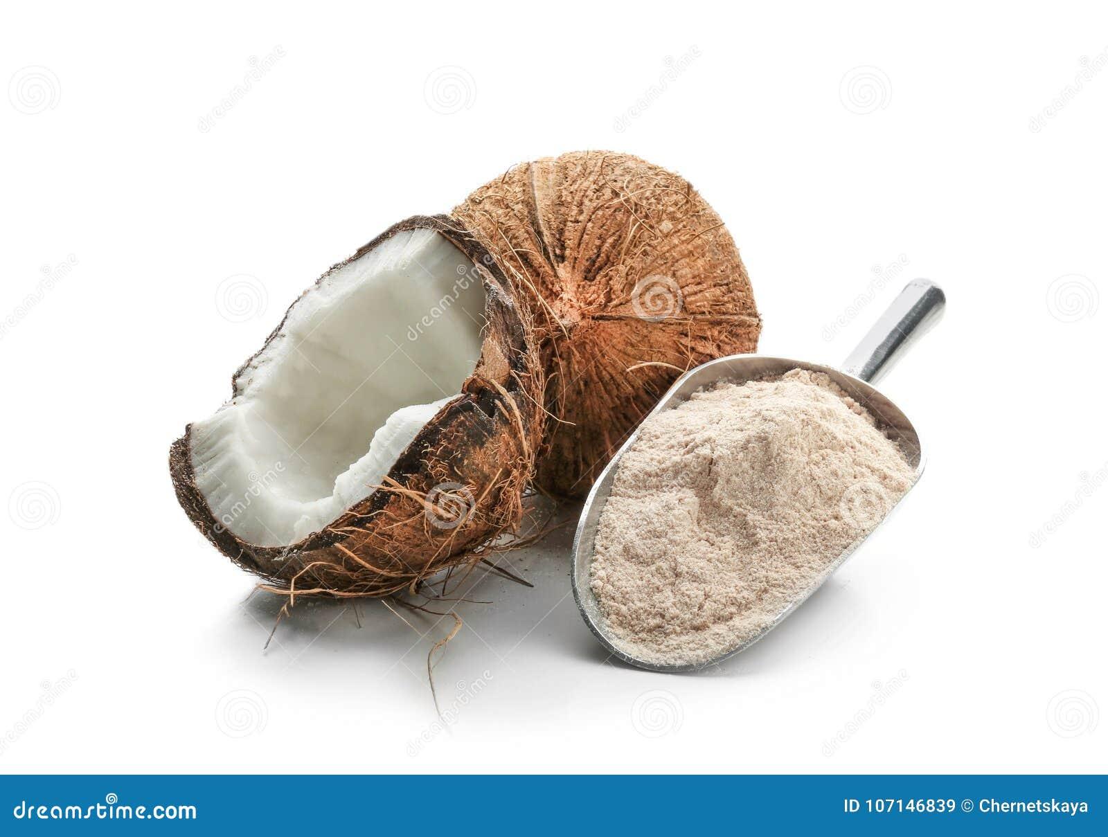 Lepel met kokosnotenbloem en noot