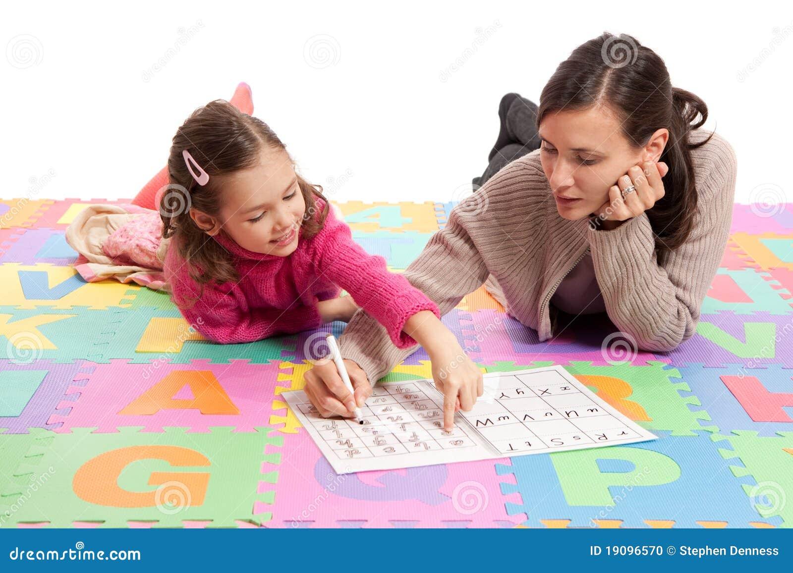 Lernen von Handschriftspraxis mit Lehrer