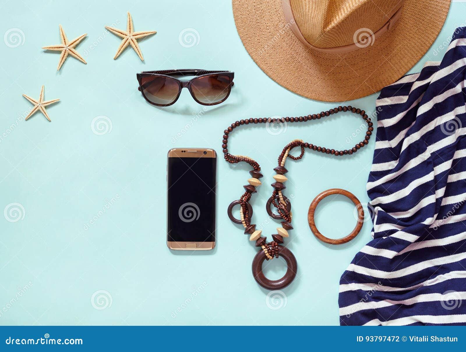 Les accessoires d habillement à la mode de mode de vie moderne de plage du ` s de femmes d été pour le voyage en mer vacation : c