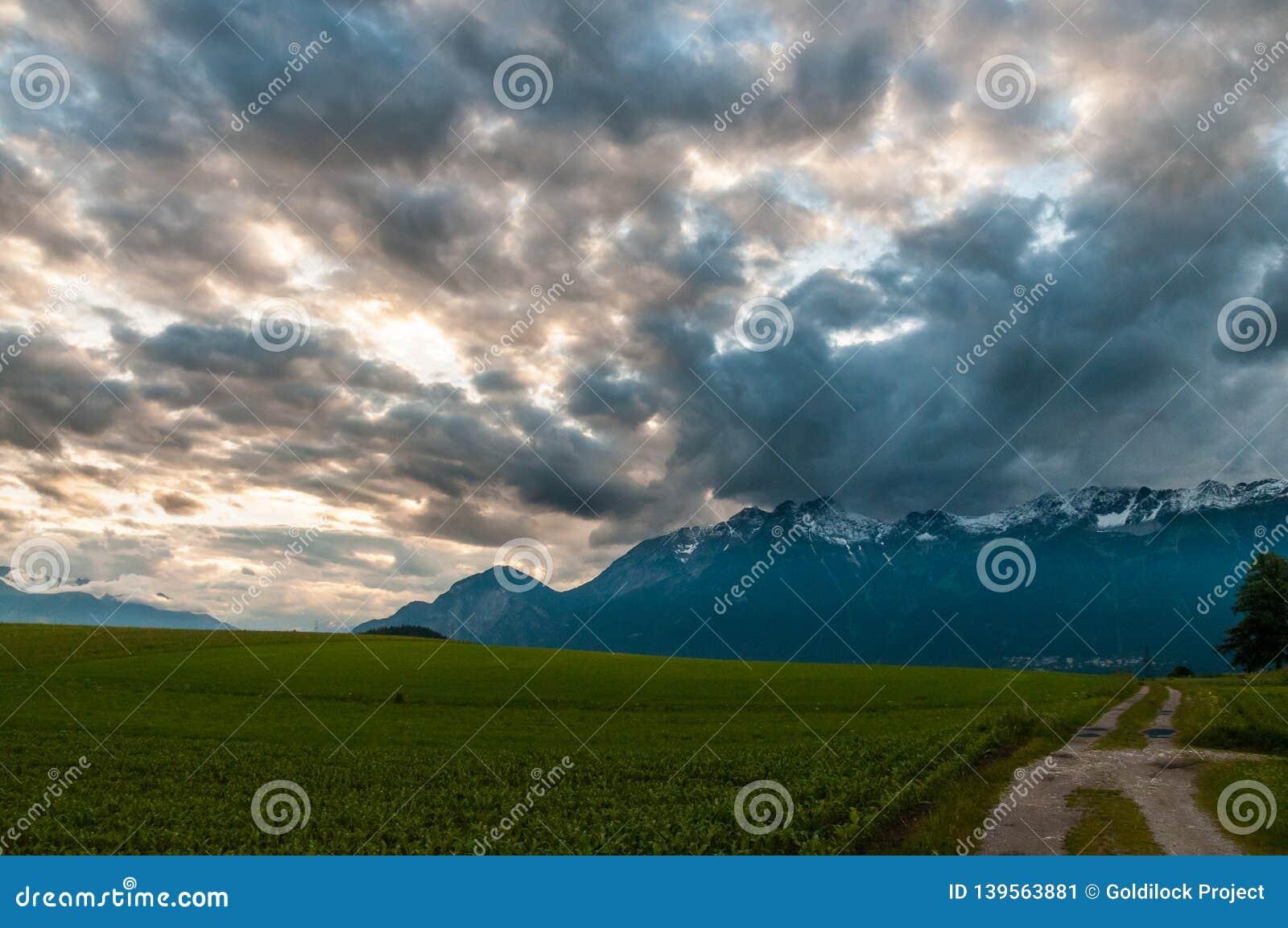 Les Alpes autrichiens près d Innsbruck
