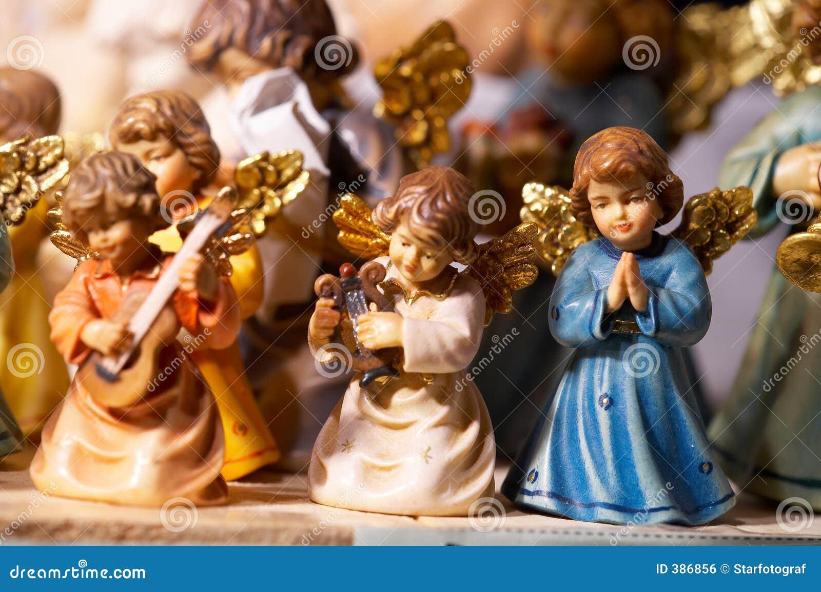 Les anges dans Noël font des emplettes - und Krippenfiguren d Engel