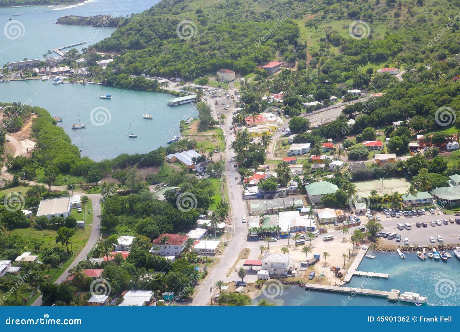 Les Antilles, les Caraïbe, Antigua, vue de port anglais et de chantier de construction navale du Nelson