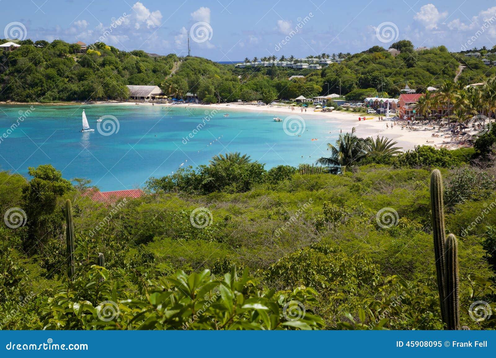 Les Antilles, les Caraïbe, l Antigua, la longue baie, la vue de la longue baie et la plage