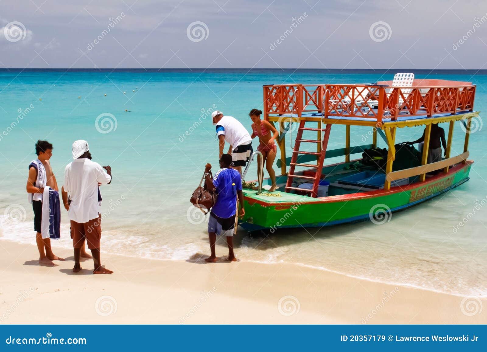 Les Barbade - excursion de bateau de bas en verre