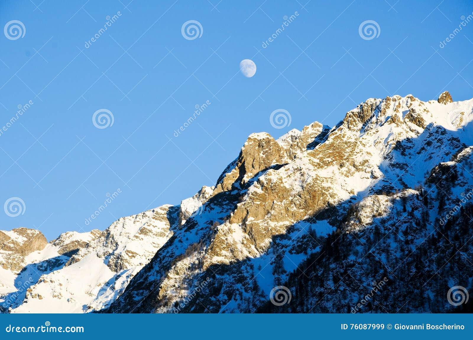 Les belles montagnes autour du bionaz dans le Val d Aoste, Italie