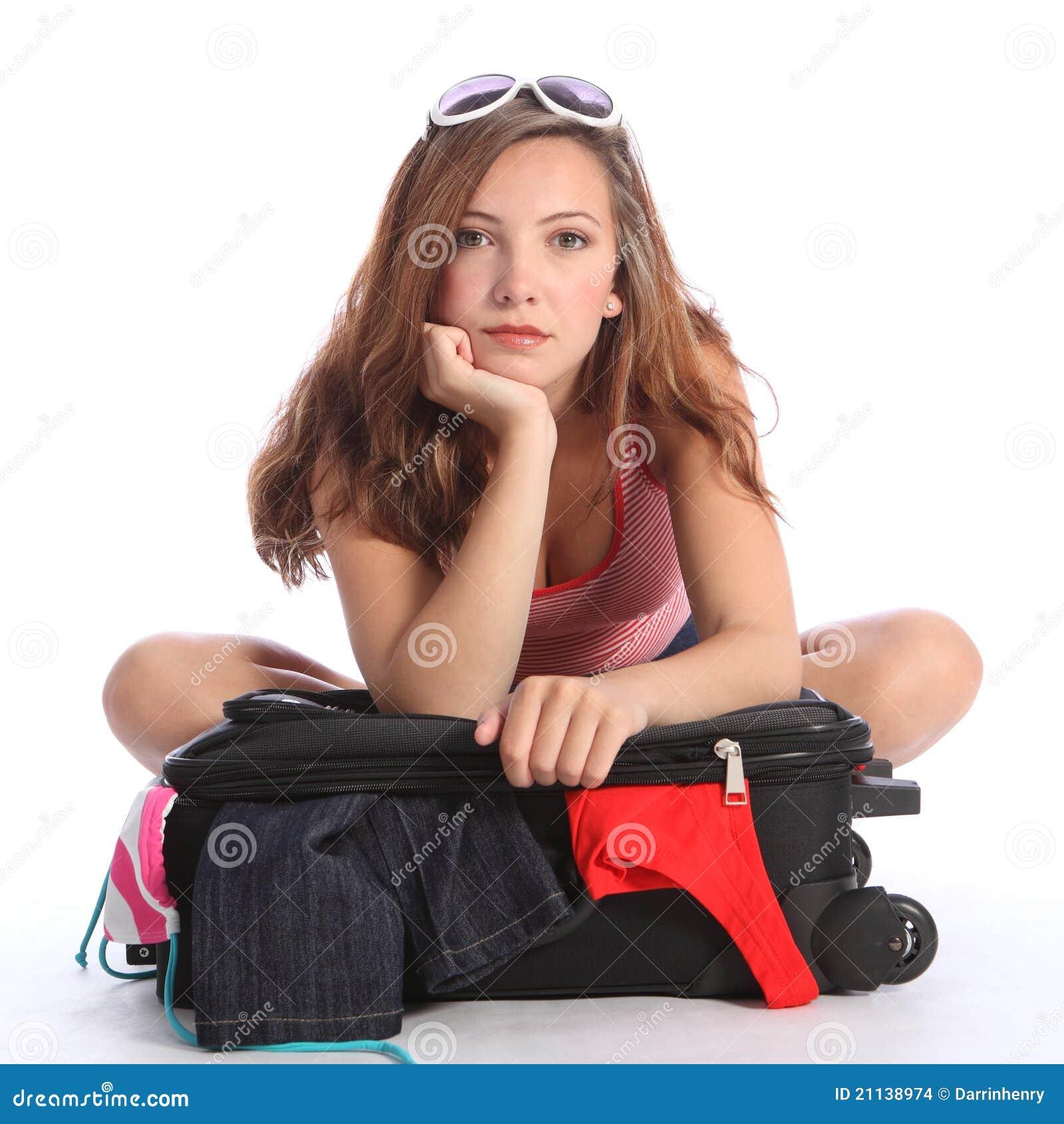 Les bleus de vacances pour la fille d adolescent ont alimenté vers le haut l emballage