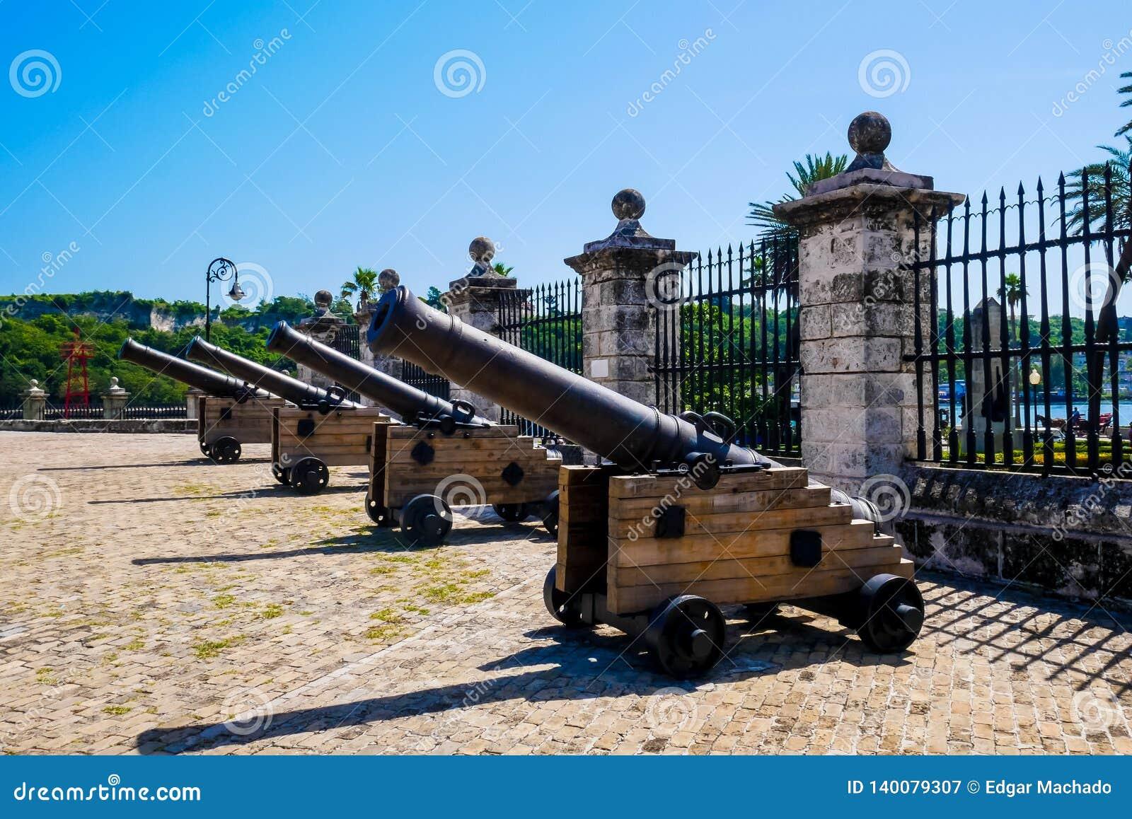 Les canons coloniaux espagnols
