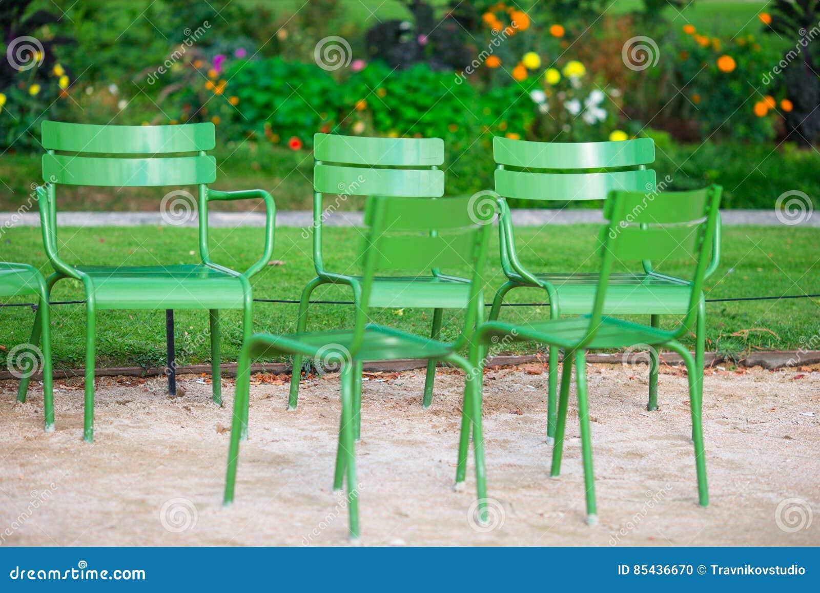 Les Tuileries Font Traditionnelles Du Chaises Dans Vertes Le dCExrBeQoW