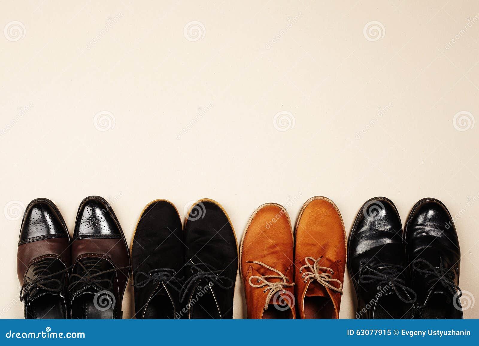 Download Les Chaussures Des Hommes De Mode Toujours Bottes D'hommes De La Vie Image stock - Image du path, mode: 63077915