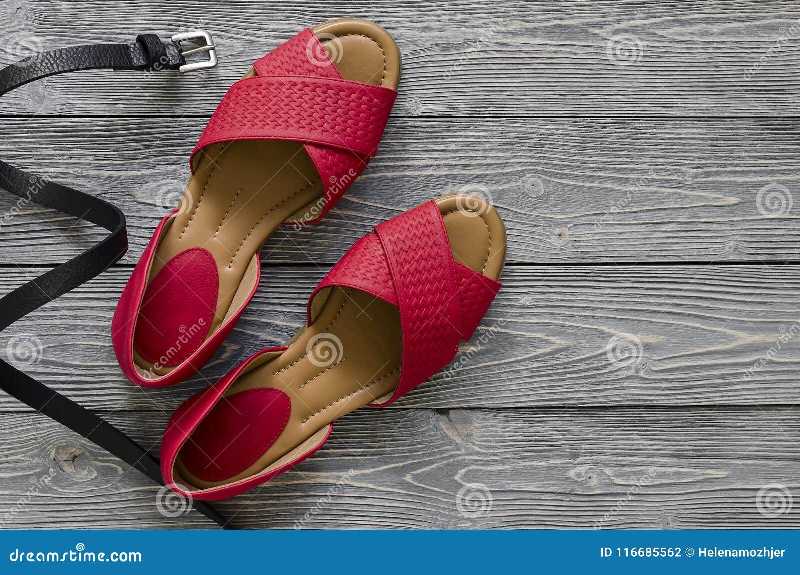 Des Femmes Rouges Cuir Les En Plates Sandales Chaussures D Et ym8wv0NnO