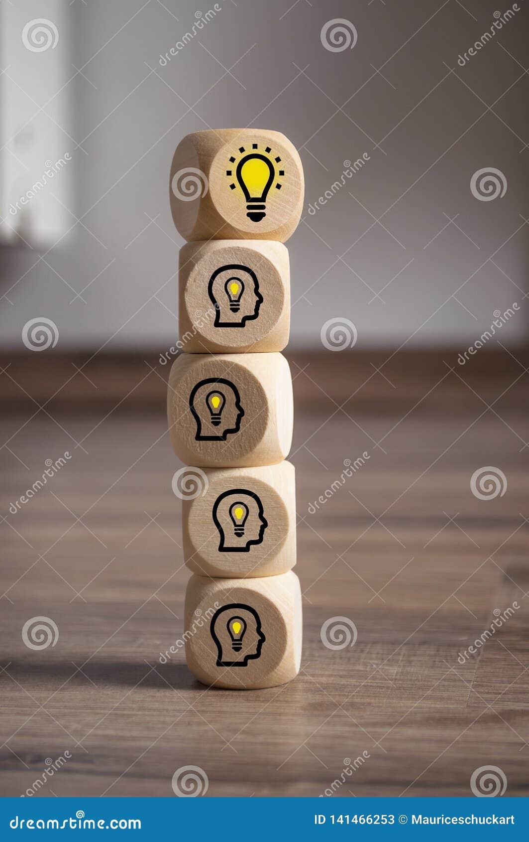 Les cubes découpent avec l ampoule et les têtes avec les ampoules