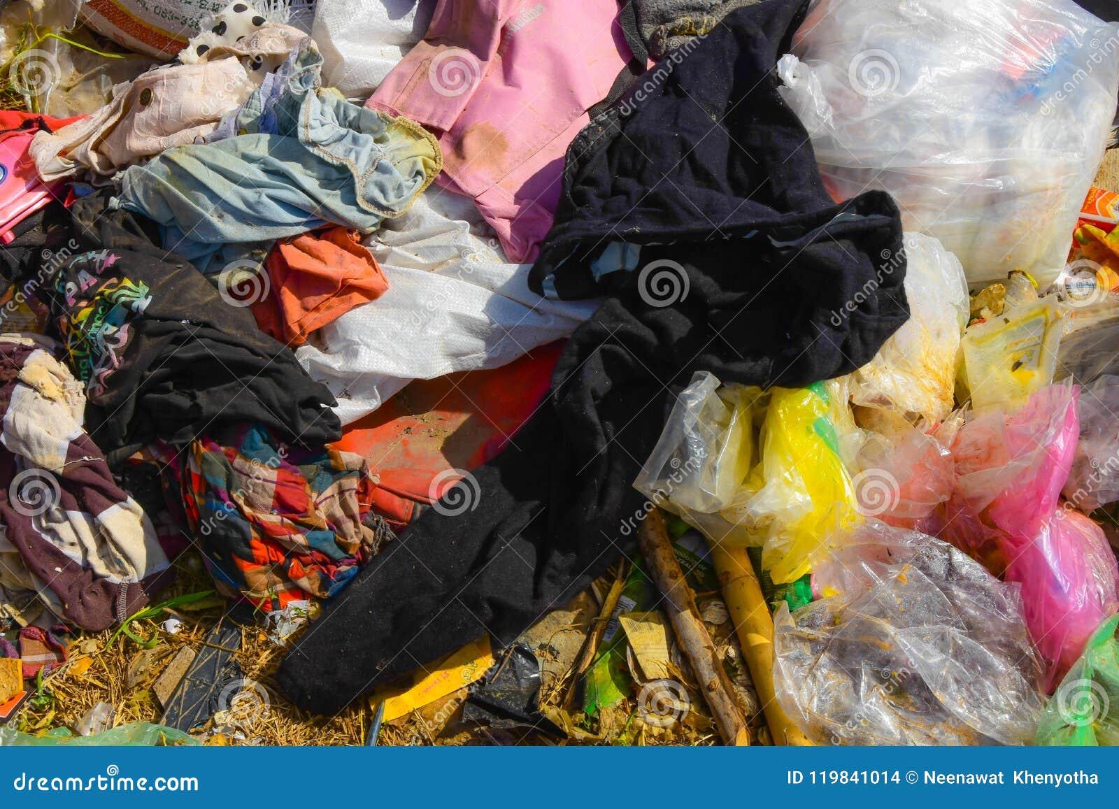 Les déchets des déchets qui sont dégradés par naturel signifient