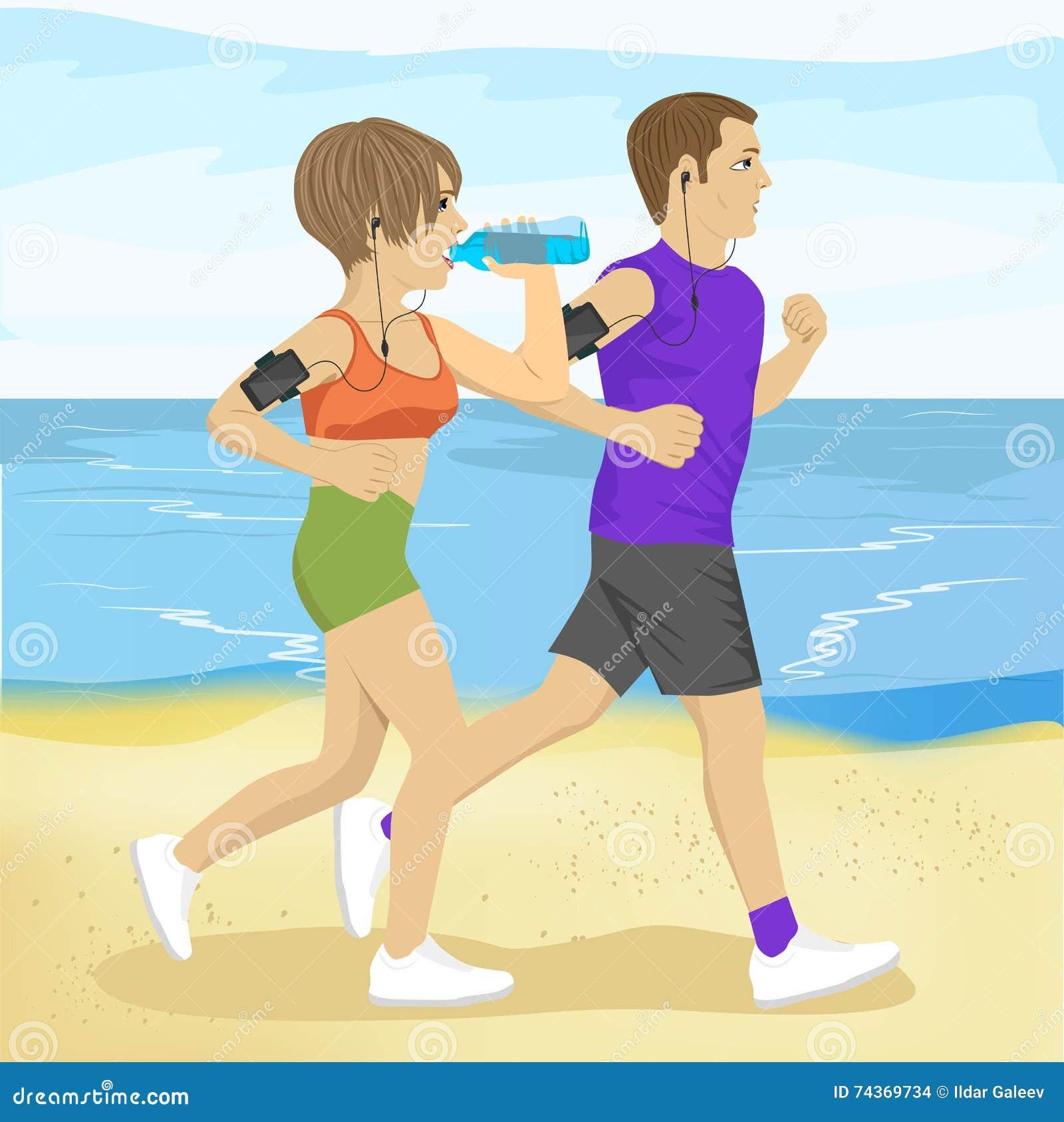 Les deux jeunes pulsant sur l eau potable de plage, le sport et le mode de vie sain