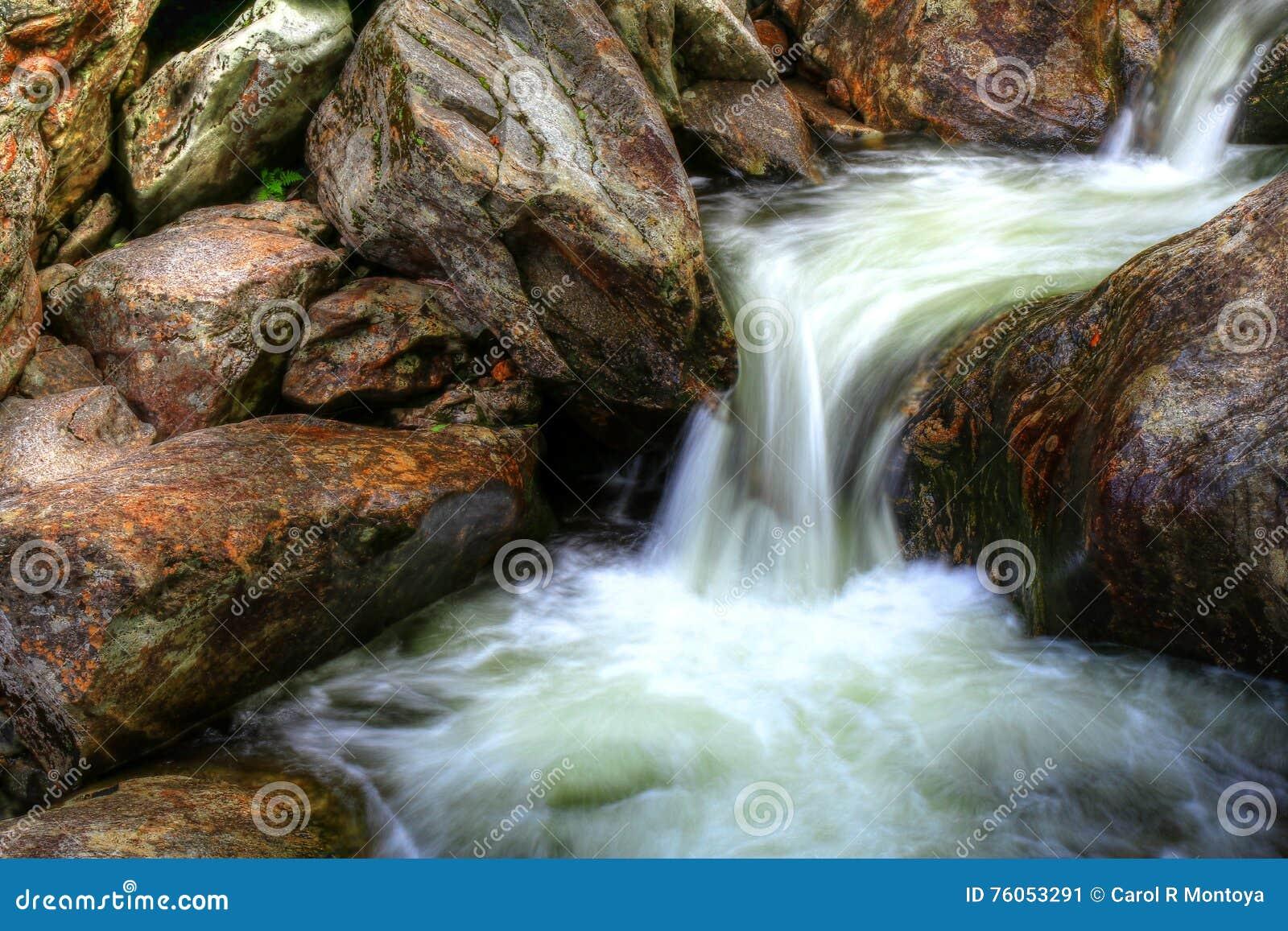 Les eaux de précipitation des montagnes fumeuses II