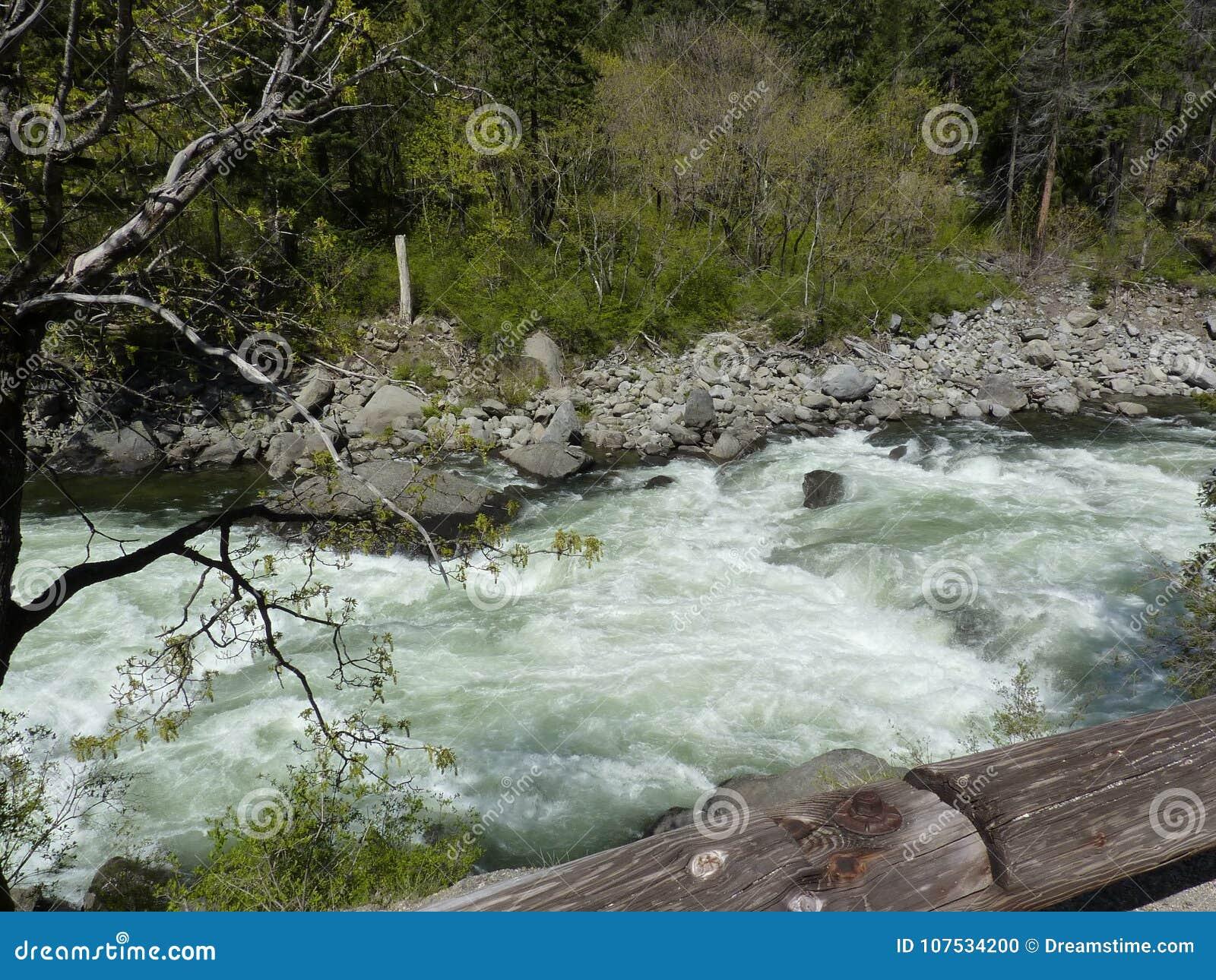 Les eaux de précipitation de montagne