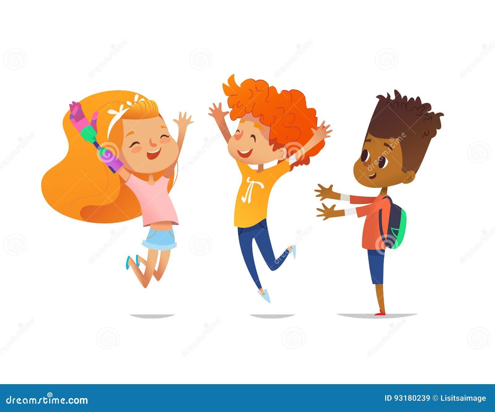 Les enfants heureux sautent avec les mains augmentées La fille avec le bras robotique artificiel et ses amis se réjouissent ensem