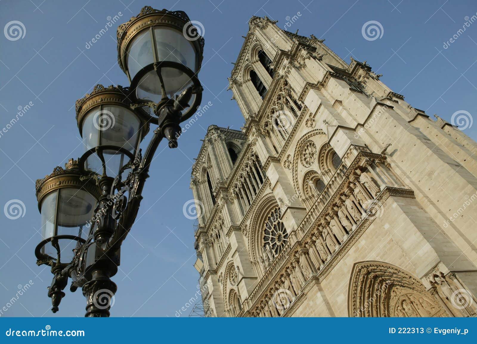Les fa un giro del Notre-Dame de Paris del de