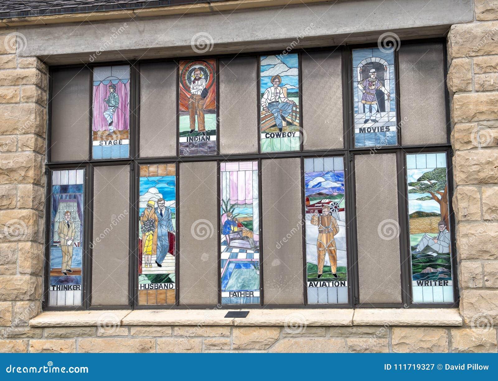 Les fenêtres en verre teinté honorant Rogers, Claremore, l Oklahoma