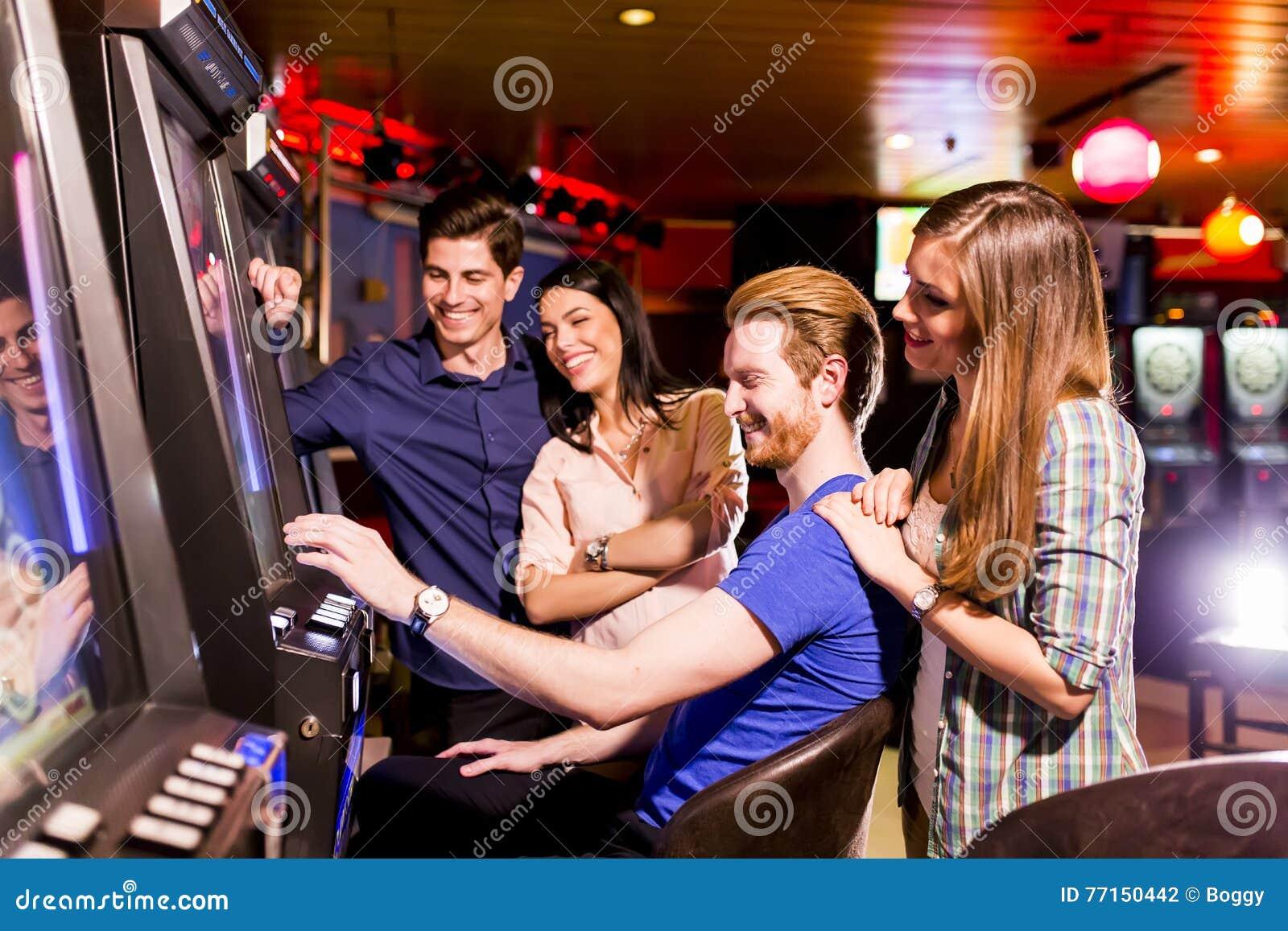 Les gens dans le casino