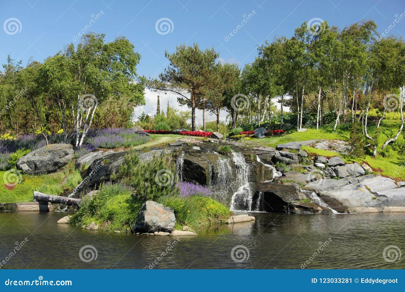 Les jardins à l og Fjaere de Flor