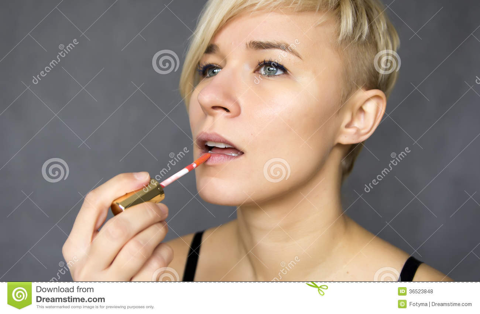 Les lèvres composent