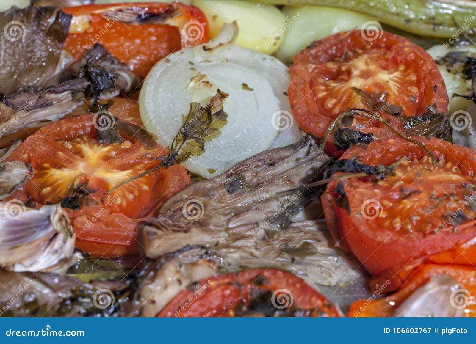 Les légumes de accompagnement ont été déjà faits cuire