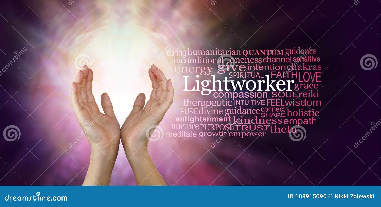 Les mains curatives d un travailleur léger