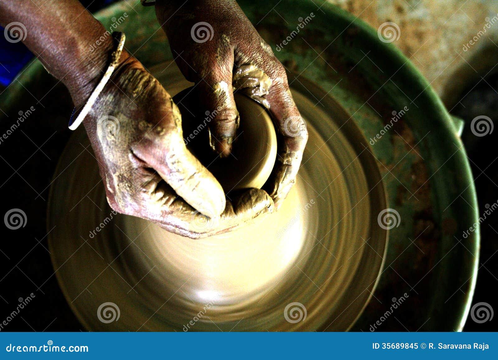Les mains de potiers