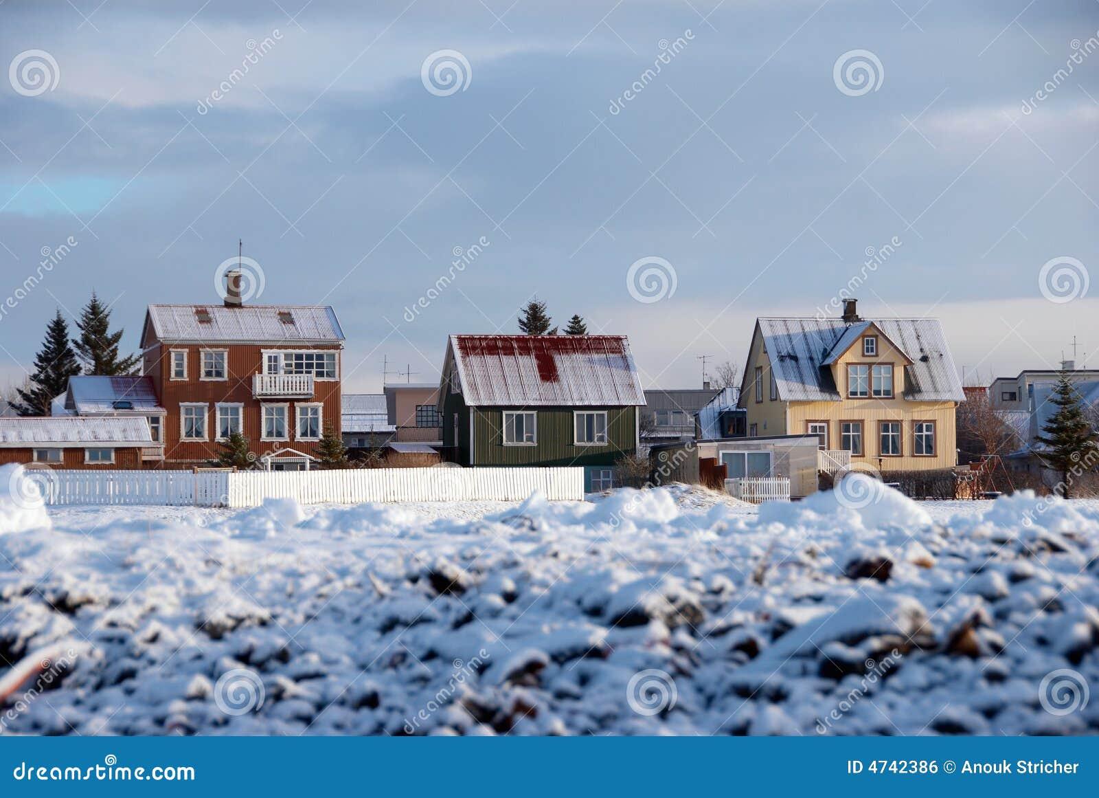 Les maisons de l 39 islande photo stock image du couleur - Maison de l islande paris ...