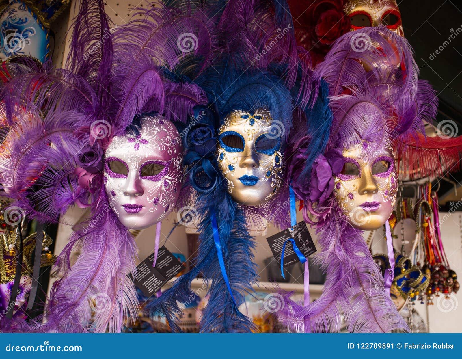 Les masques de carnaval de Venise se ferment, des masques de Venise à vendre sur le marché, Venise Venezia Italie