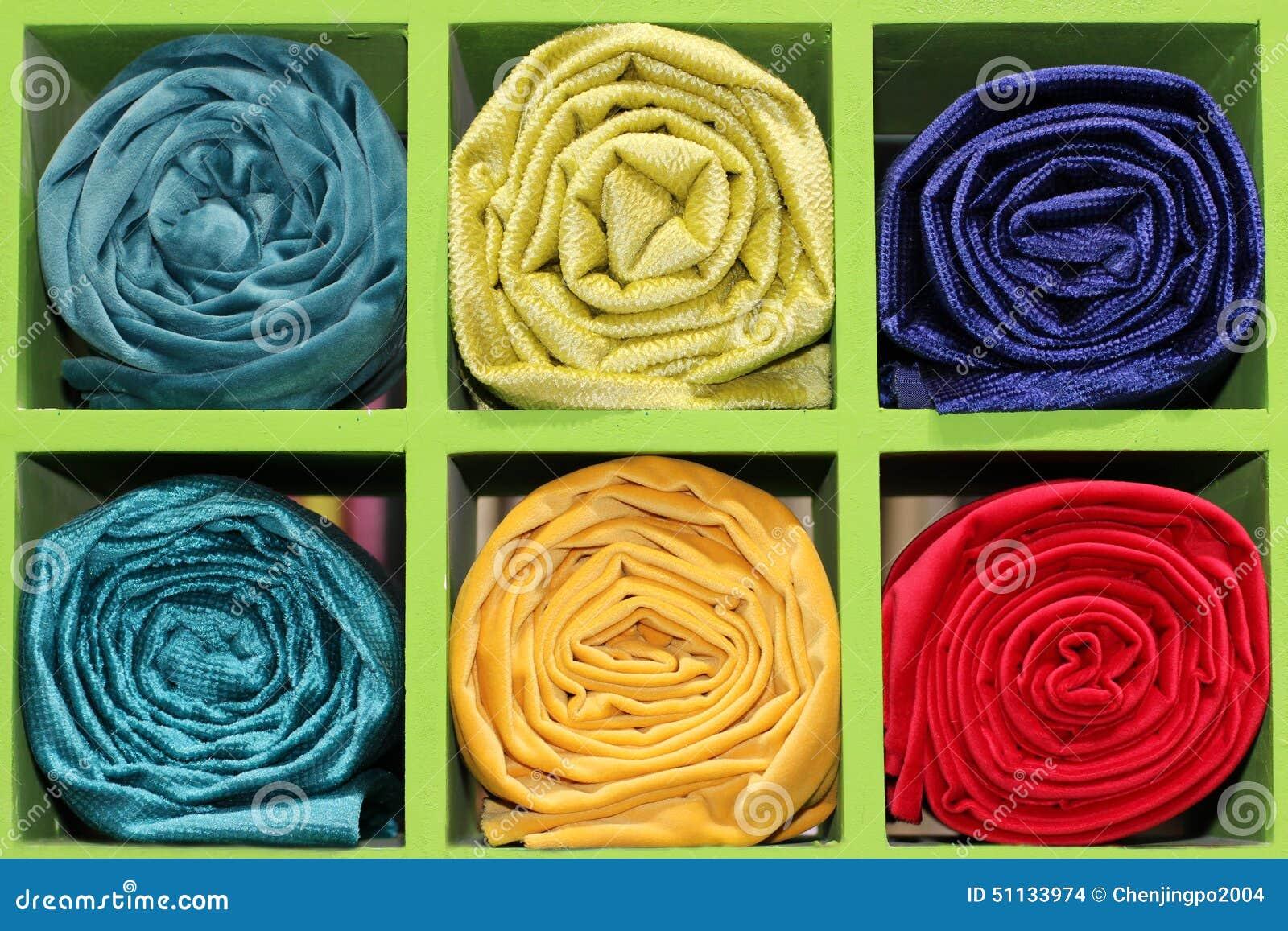Les matériaux de rideau