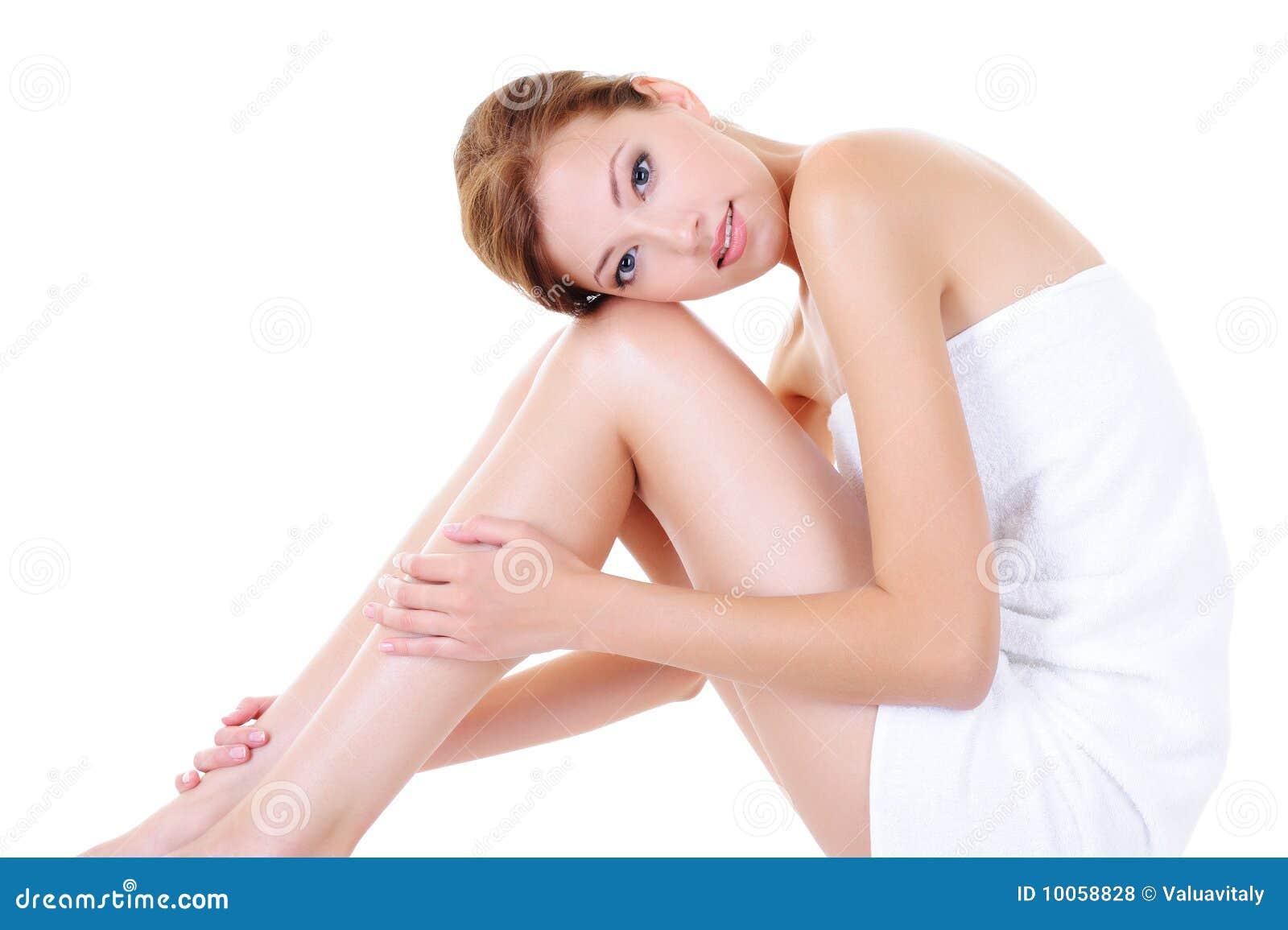 Les pattes adultes de fille se perfectionnent assez