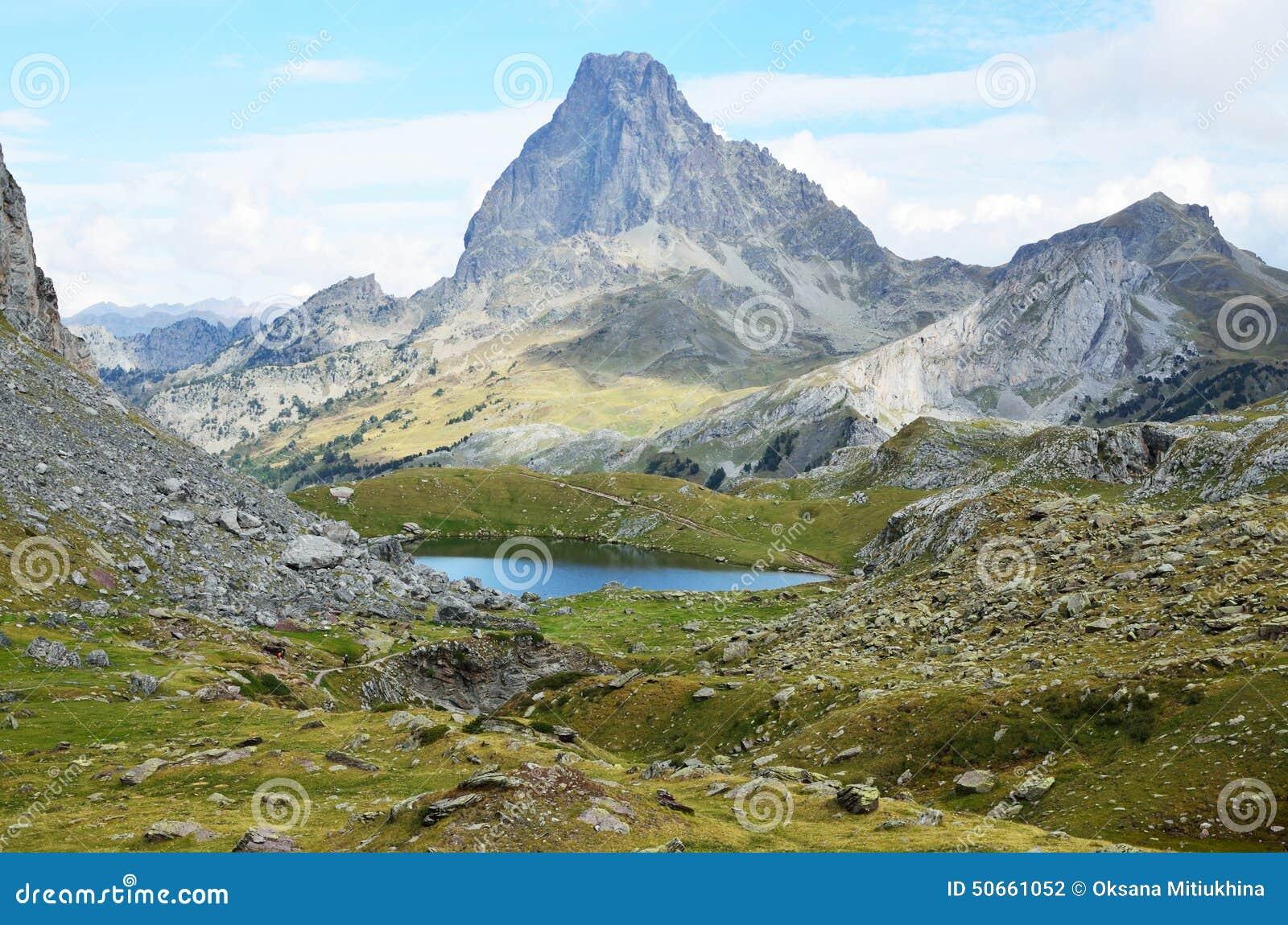 Les pyr n es atlantiques bearn photo stock image du - Office du tourisme pyrenees atlantiques ...