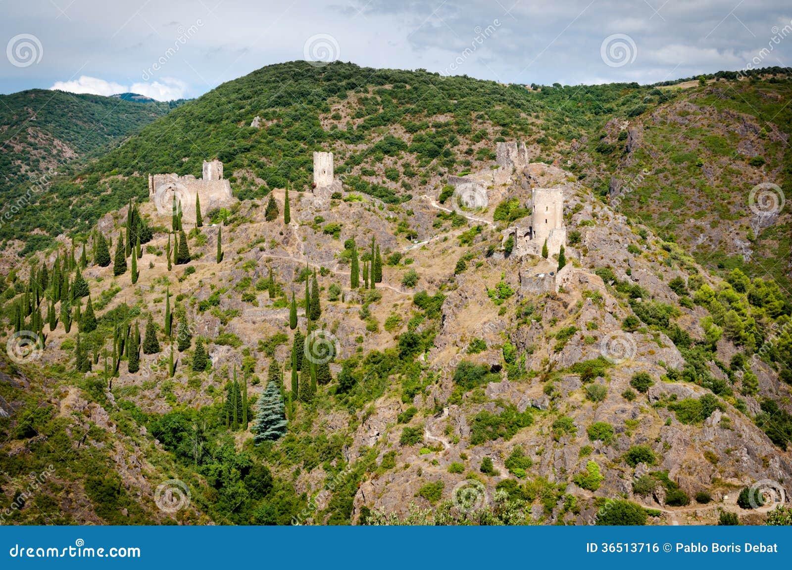 Les quatre chateaux De Lastours panoramiczny widok
