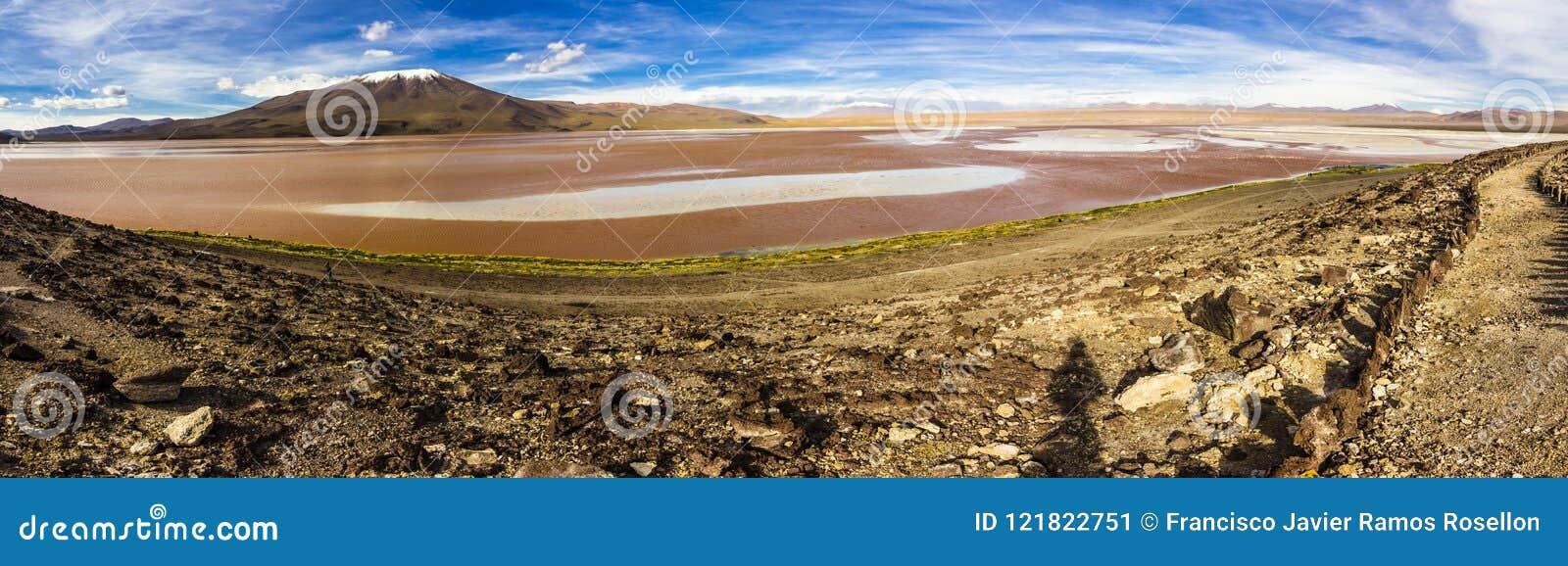 Les réflexions d Uyuni sont l une des choses les plus étonnantes qu un photographe peut voir Ici nous pouvons voir comment le lev