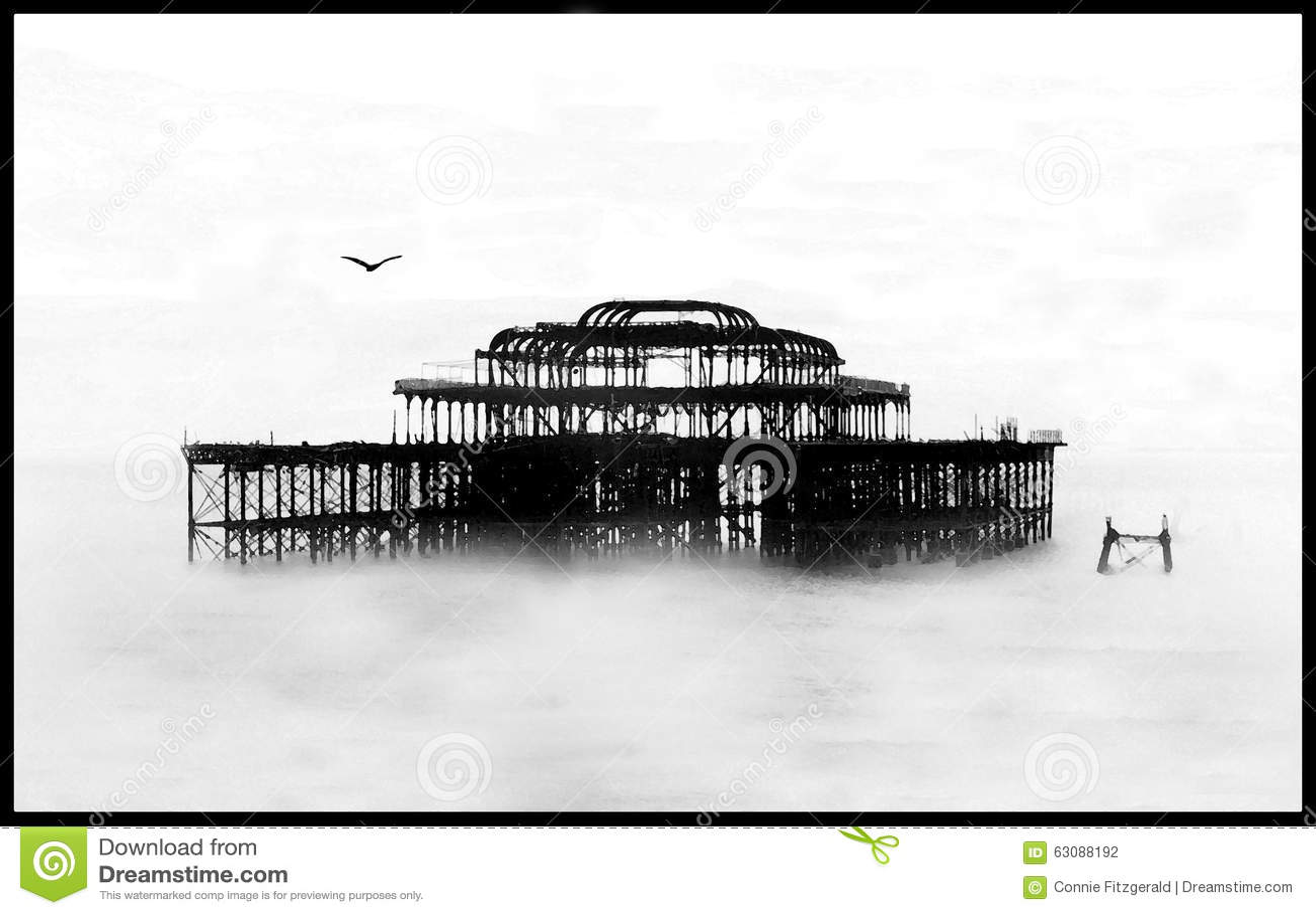 Download Les Restes Fantomatiques De Brighton De Vieux Brighton Pier Photo stock - Image du orageux, mers: 63088192