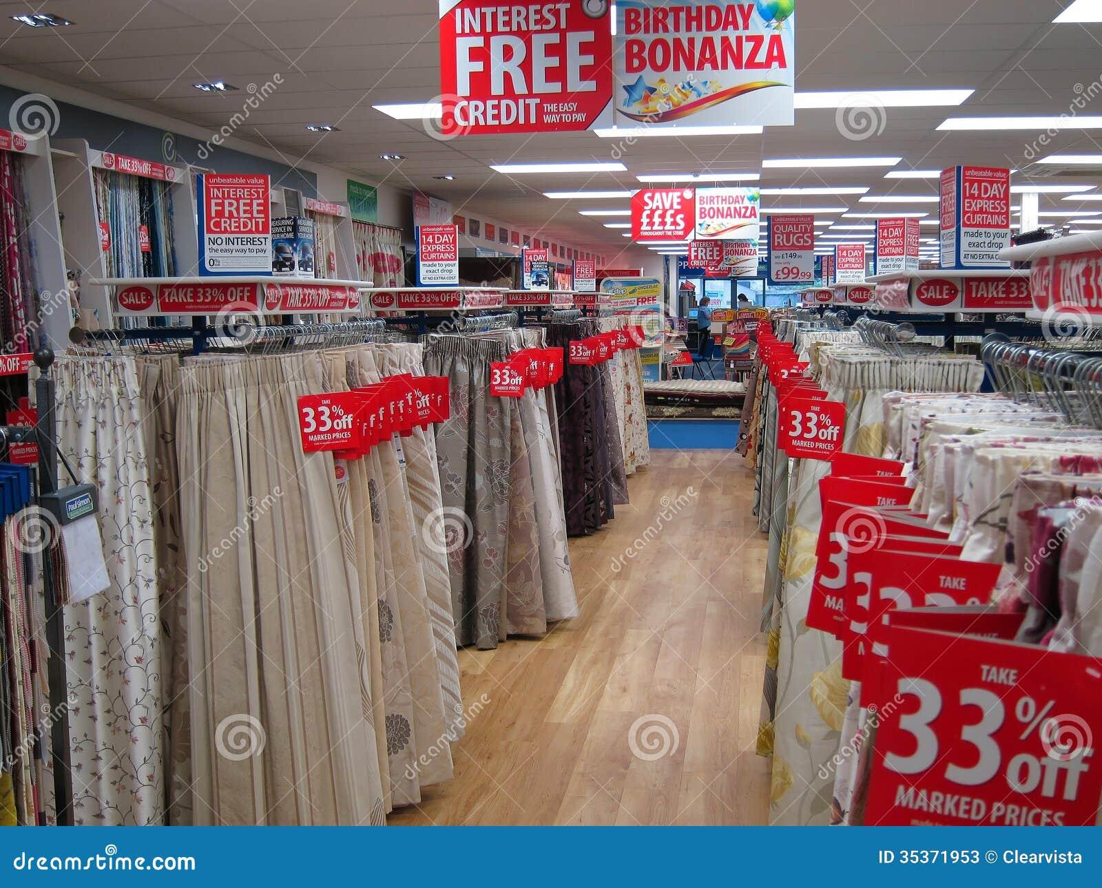 les rideaux ou drape en vente dans un magasin photo stock ditorial image du drape m moire. Black Bedroom Furniture Sets. Home Design Ideas