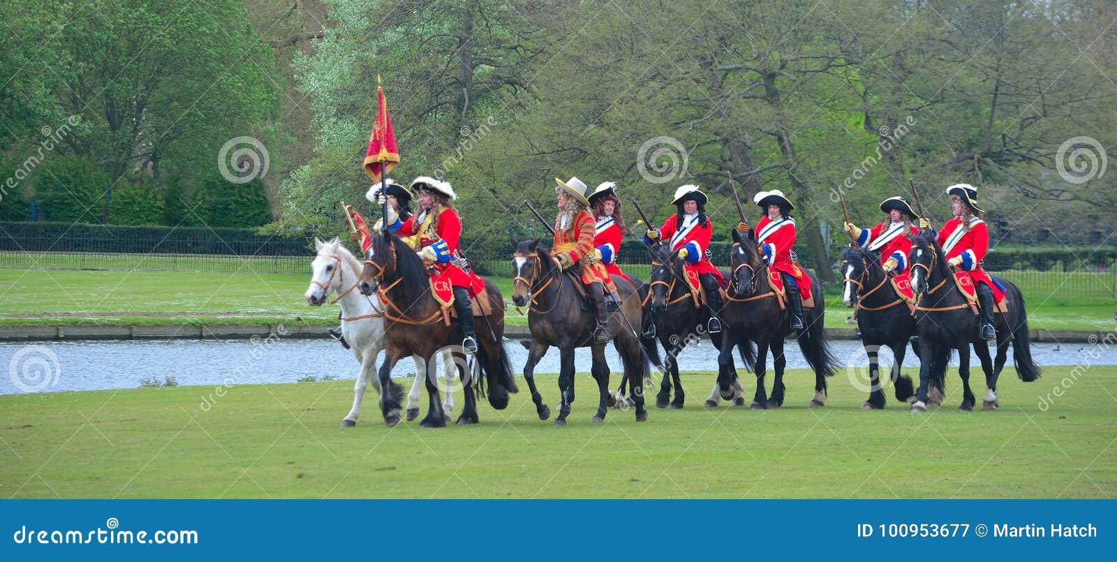 Les Rois Lifeguard du groupe de reconstitution de régiment de cheval