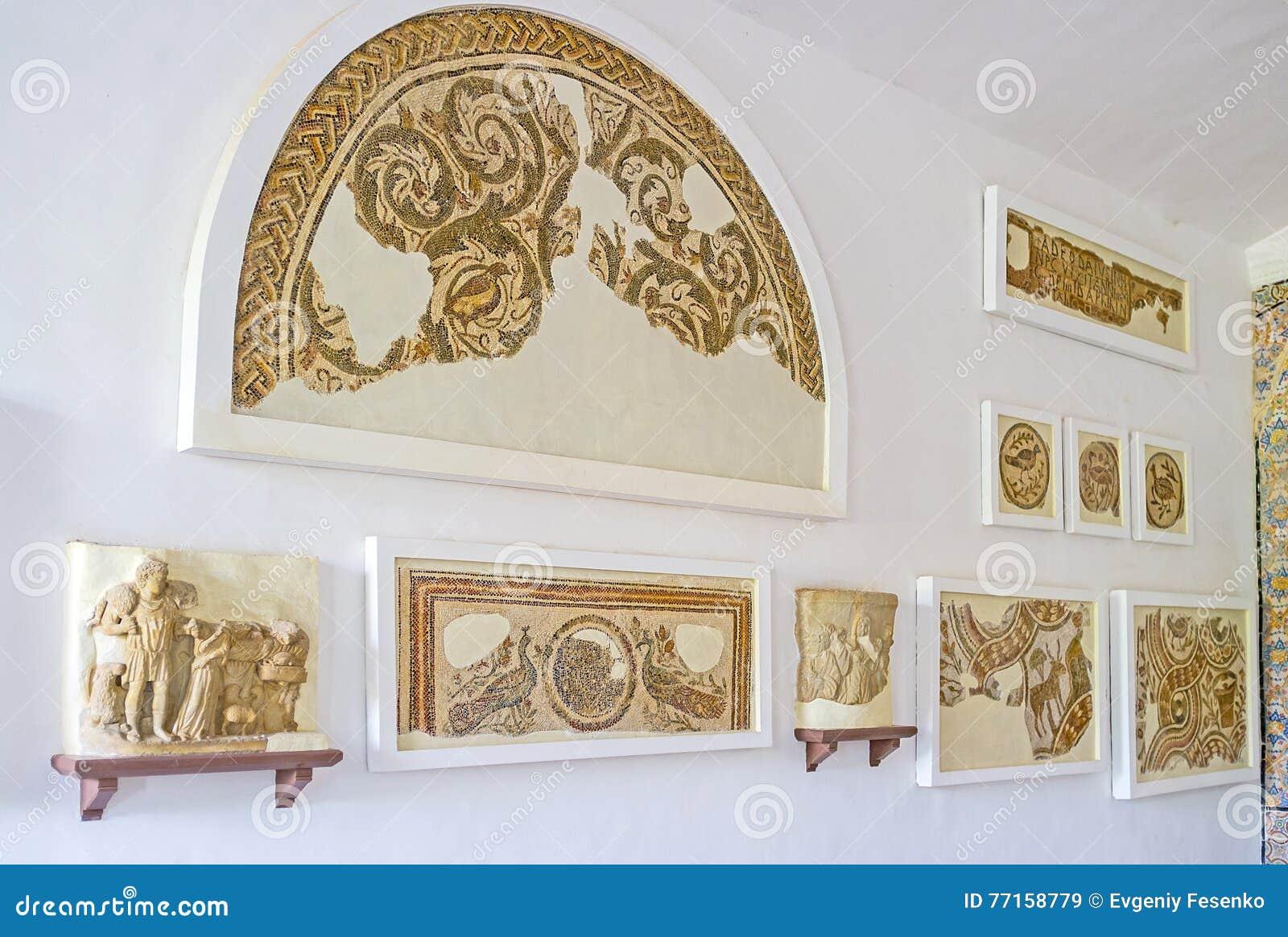 Les ruines de vieilles mosaïques