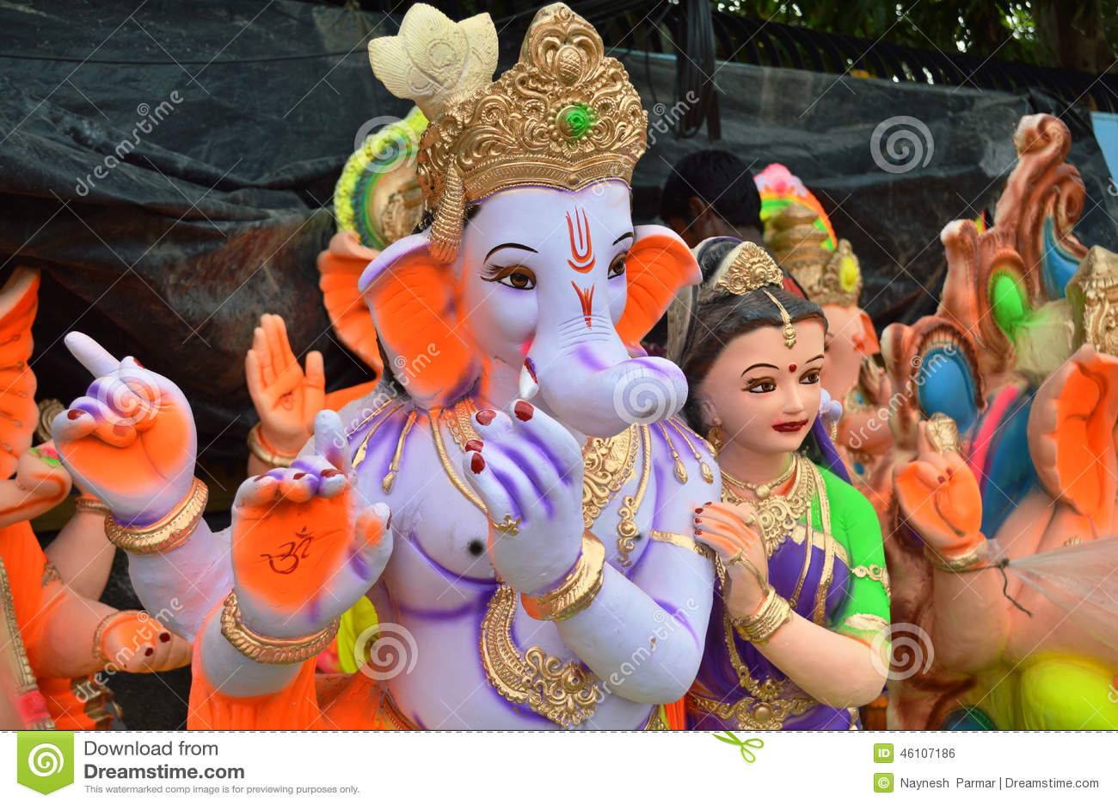 Les staues de Lord Ganesha avec Krishna Avatar près de Hollywood Basti, Ahmedabad