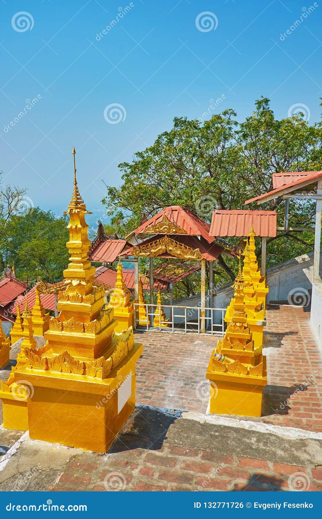 Les stupas découpés de jeune truie, colline de Sagaing, U Min Thonze Temple