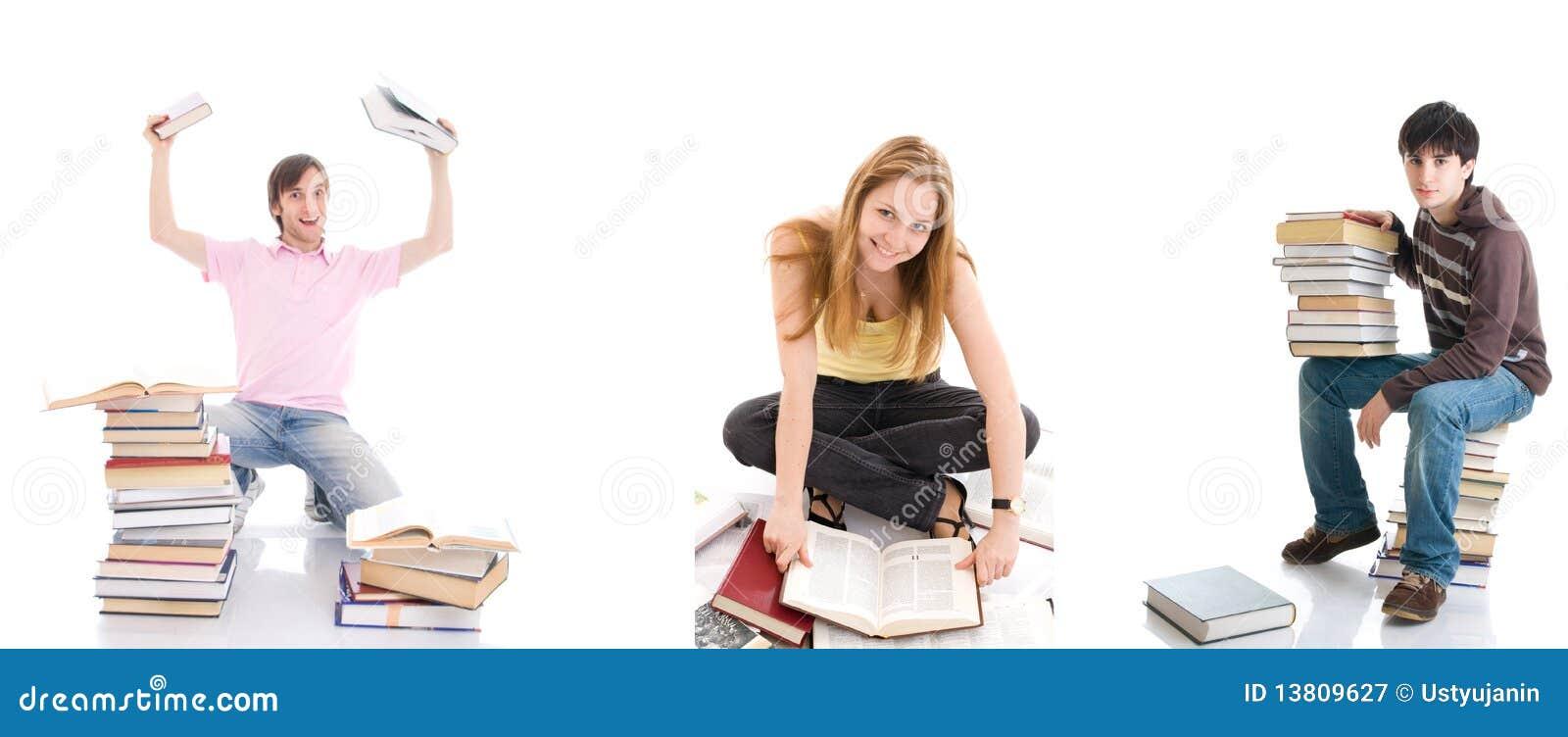 Les trois jeunes étudiants d isolement sur un blanc