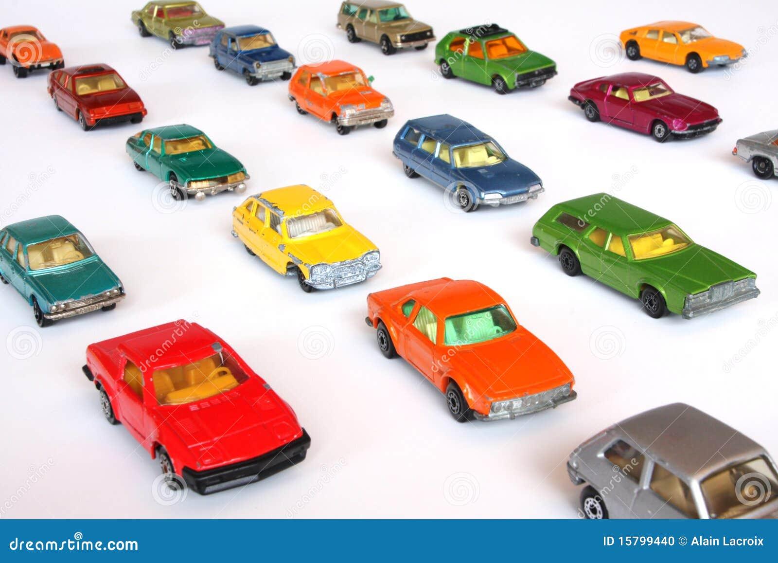 Les véhicules ont aligné