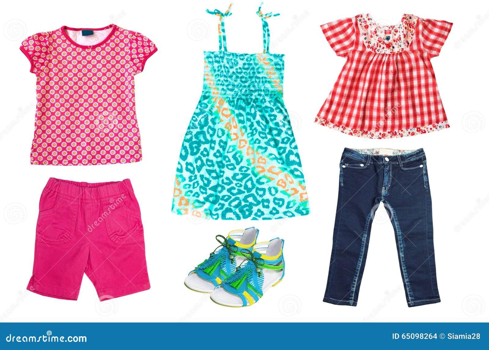 ad932e21fe2a9 Les Vêtements De L enfant D été D isolement Sur Le Blanc Photo stock ...