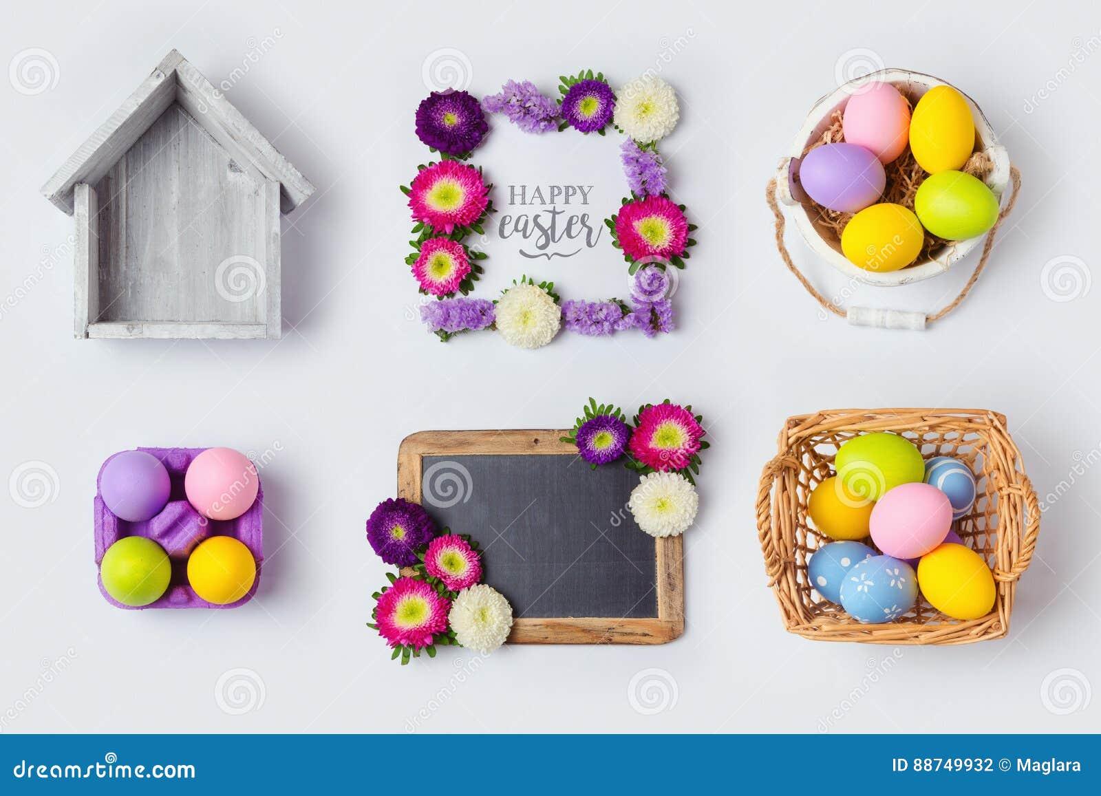 Les vacances de Pâques eggs des décorations, des cadres de fleur et le panier pour la moquerie vers le haut de la conception de c